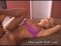 Wonderful Wifey Offers Pussy